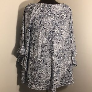 Papillon Blanc Tops - PAPILLON Navy & White Paisley Belled Sleeve Top